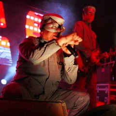 Devo & GZA/The Genius Rock The Natural History Museum's 100th Birthday Bash