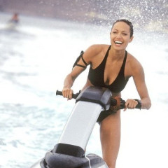 30 Of The Best On-Screen Bikini Moments In History