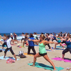 L.A.'s Top 6 Outdoor Yoga Classes For Every Level