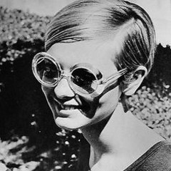 Vintage Sunglasses: 3 Timeless Styles To Start Wearing Now