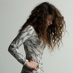 Daily Style Phile: Lorde, The 17-Year-Old Pop Wonder From Down Under