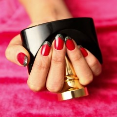 DIY Nails: 5 Pro-Approved Manicures For Festive Fingers