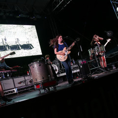 Last Night's Parties: HAIM Performs At Brooklyn Bridge Park To Help Celebrate The Live In Levi's Campaign & More!