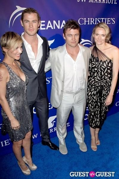 Elsa Pataky Chris Hemsworth Luke Hemsworth Samantha Hemsworth