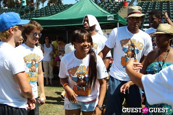 Josh Hutcherson Billy Unger Kyla Pratt James Lesure