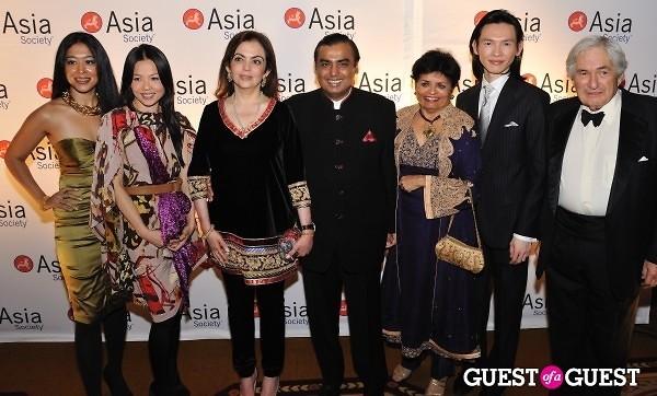 Jeremy Hu Thuy Diep Pialy Aditya Vishaka Desai Mrs. Ambani Mukesh Ambani James Wolfensohn